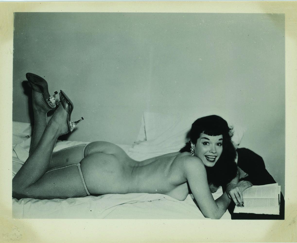 ES.17.72_Anonimo, Betty Page, anni 50, Stati Uniti_Courtesy Alidem