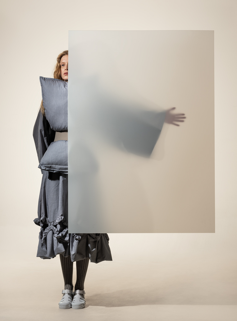 8 Cunnington & Sanderson - Photography by Rafael Kroetz - model Zoe Herveva at Tune Models - Hair & Makeup Sabine Nania