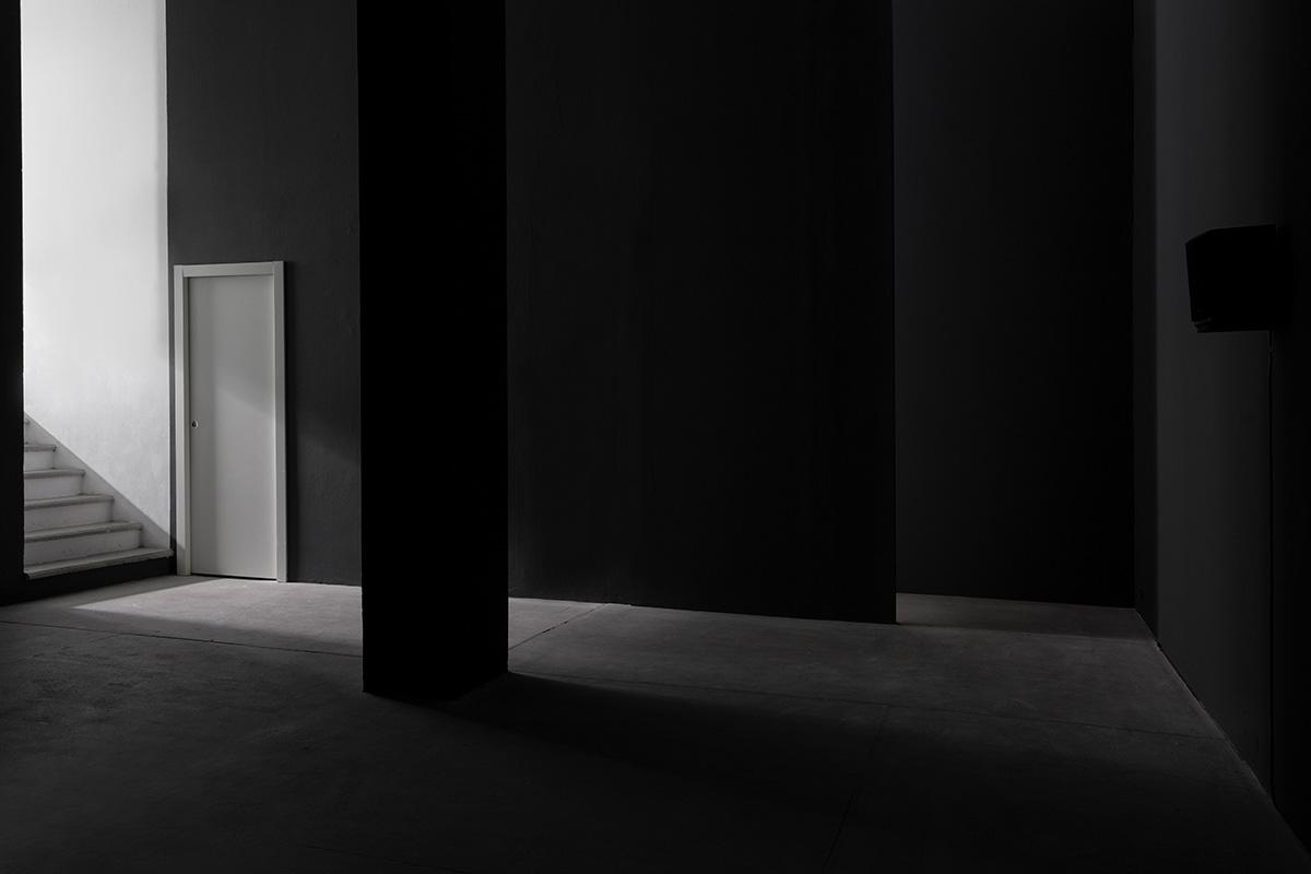 Galleria Raffaella Cortese, L'orecchio di Dionisio, Simone Forti, Ph. Lorenzo Palmieri