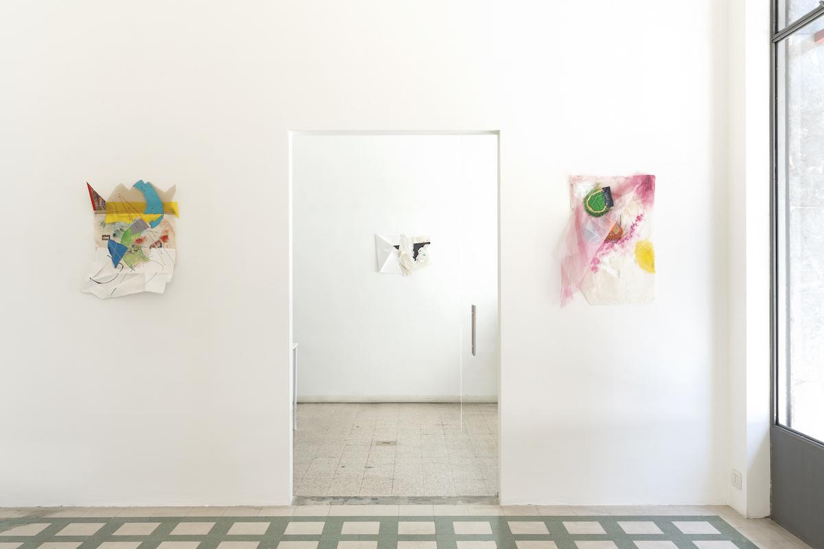 Jessica Stockholder, What is Normal, 2021, Installation view at Galleria Raffaella Cortese, ph. Lorenzo Palmieri