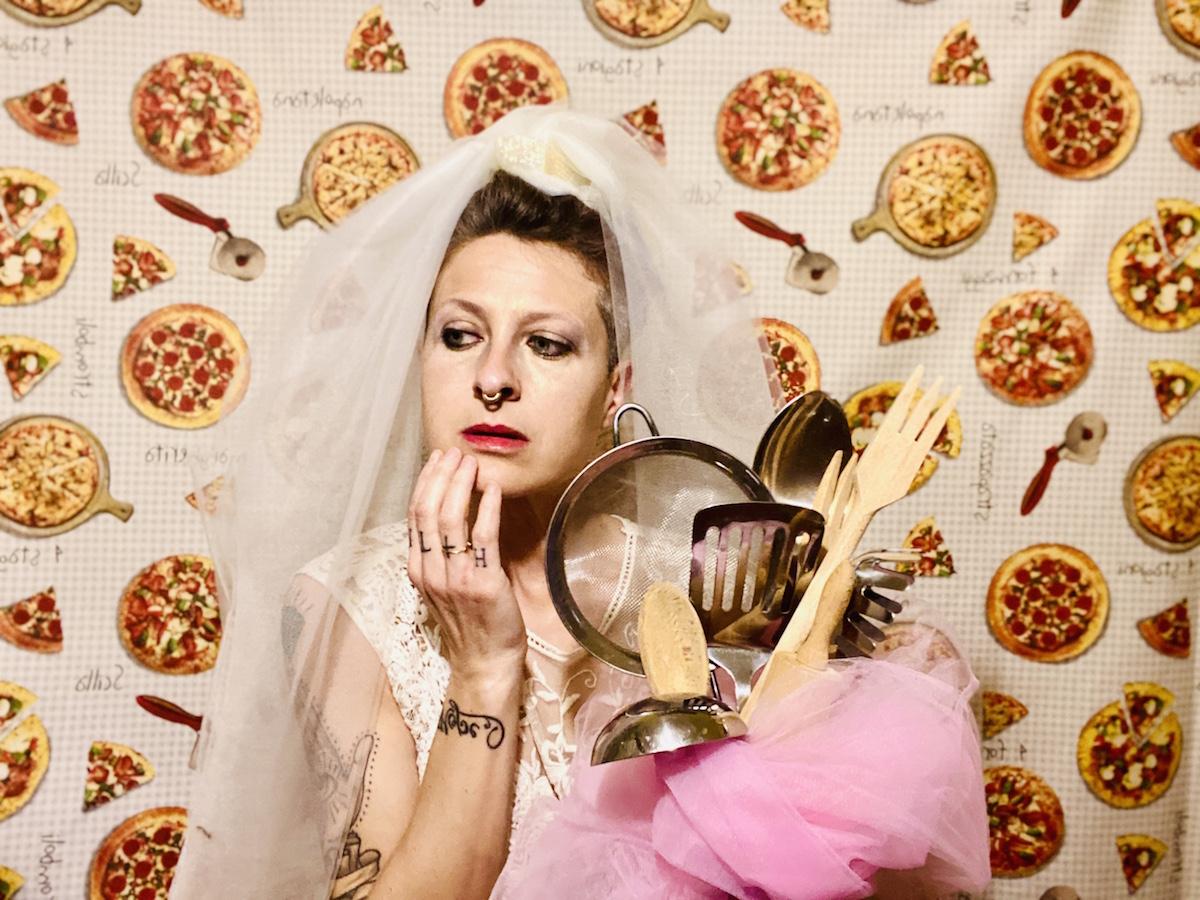 ©Francesca Lolli, Come tu mi vuoi, La moglie italiana, 2021